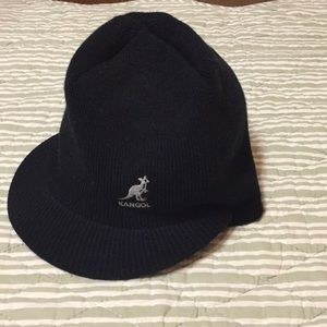 Kangol pull on hat with peak.